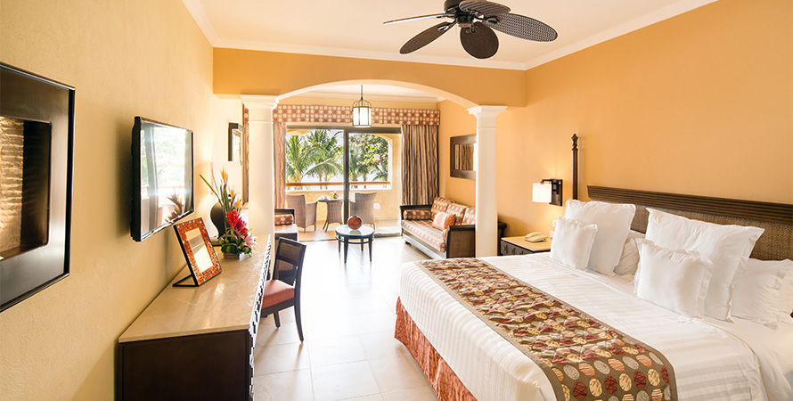 Inside room of Barceló Palace: Club Premium Junior Suites and One Bedroom Suites