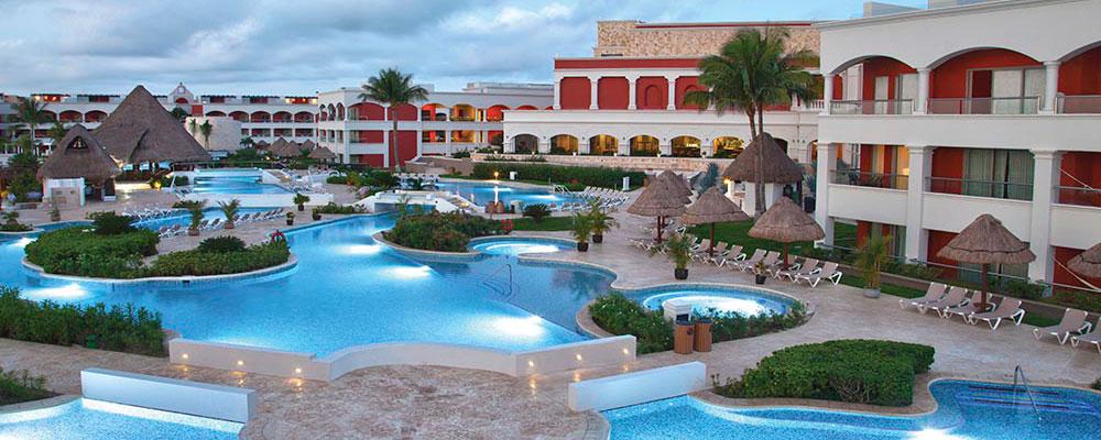 Hard Rock hotel & pool