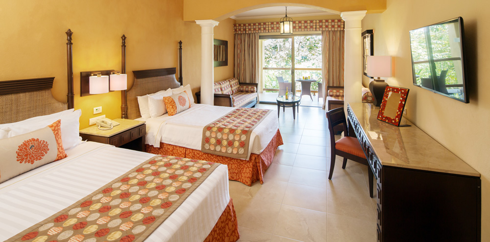 Inside room of Barceló Palace: Junior Suites
