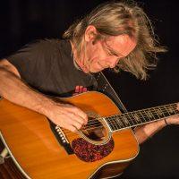Tim Reynolds shredding on the guitar